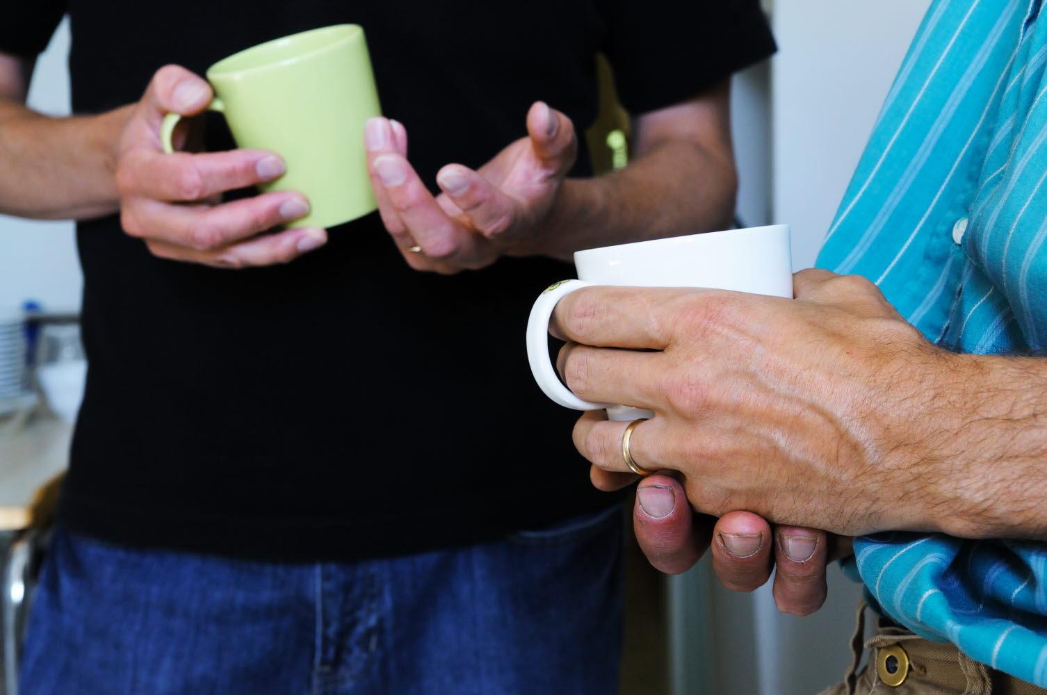 Händer, kaffestund